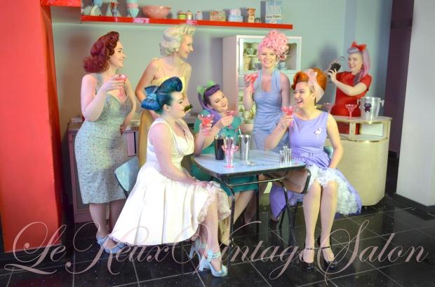pin-up-vintage-dresses-clothing-50s-style-shop-boutique-cocktails-le-keux-salon.jpg